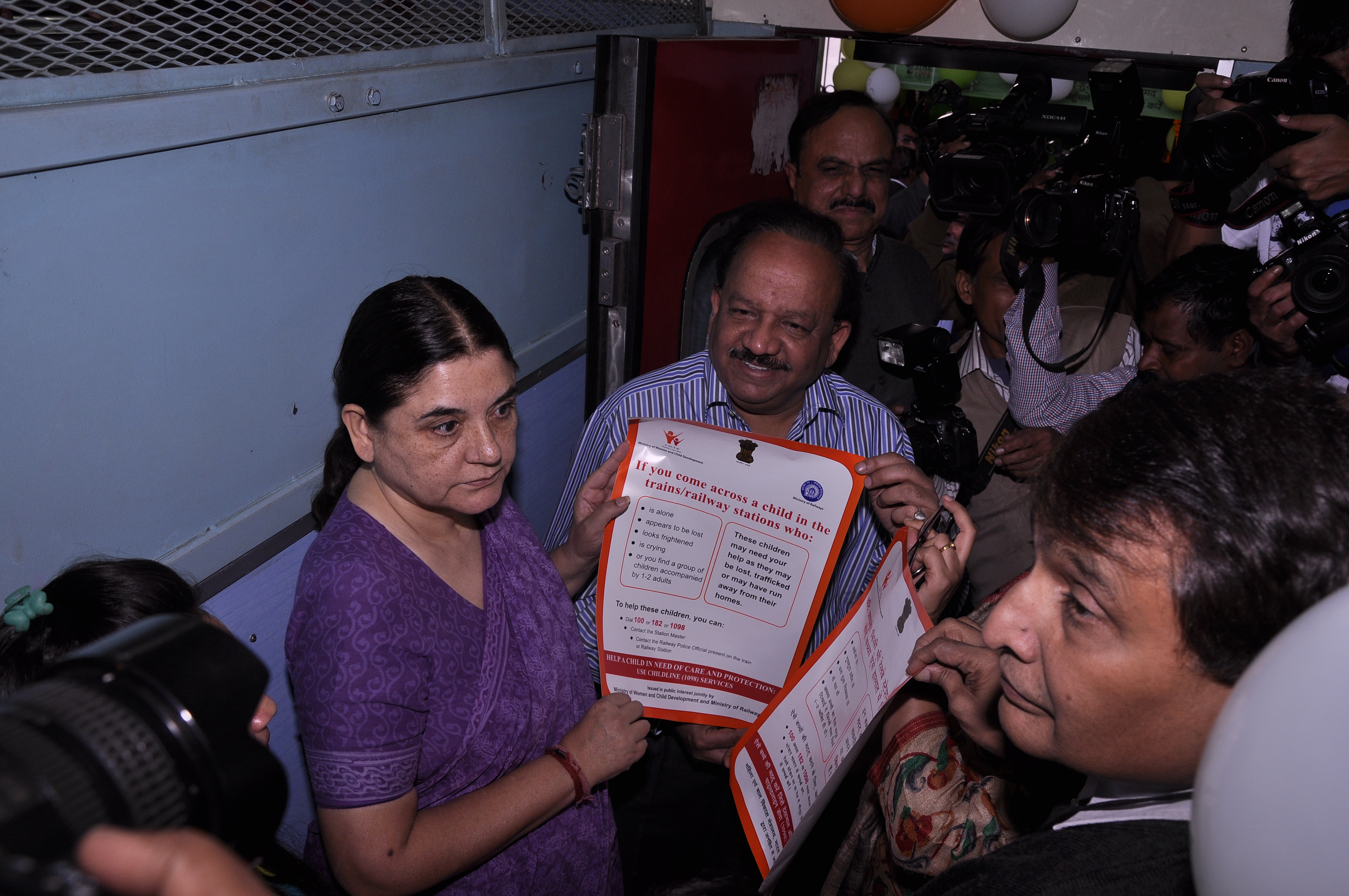Release of Railway Posters on 25.11.2015 at New Delhi Railway Station